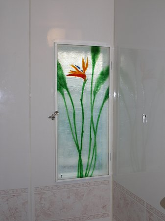 浴室のフュージング画「ストレリチア」