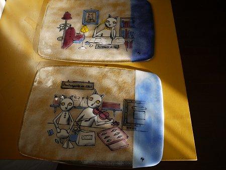 ワルノリ猫のフュージング画絵皿