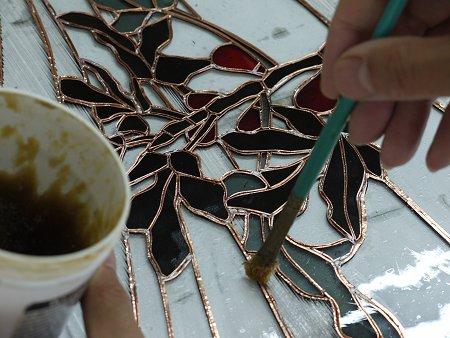 ペーストの塗布は、銅テープと、その周辺のガラスにも