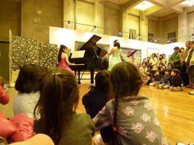 ピアノとフルートの演奏