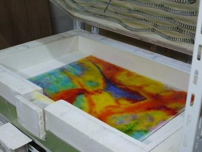 焼成すると鮮やかな色を呈します