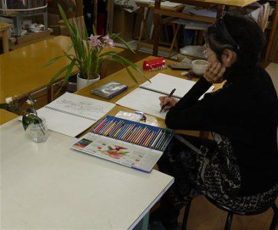 和歌山のHさん、デザインの勉強として、今、ランと、シクラメンの写生をしています。