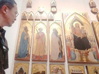 イコンのような宗教画(キリスト教)が多いです。