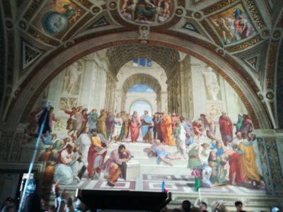 ラファエッロの間にある「アテネの学堂」