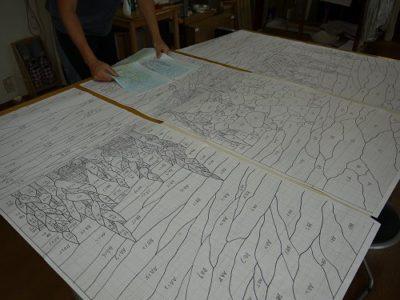 長さ130cmのステンドグラスは大きい部類になります。