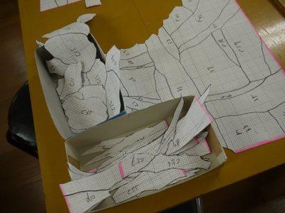 型紙も膨大な量のピースに切り分けられています