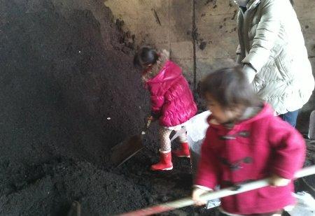 子供達も楽しそうに手伝っていました。