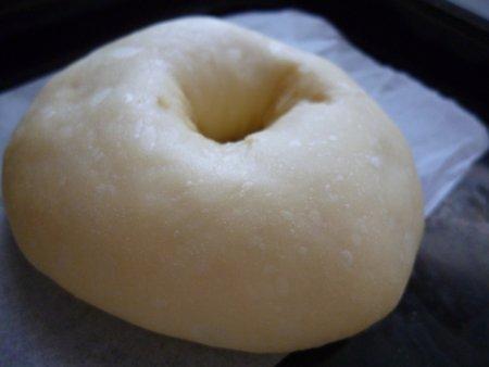 イースト生地のドーナツは、ふわふわでカリカリ・やみつきです。