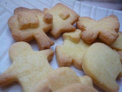 子供作、型抜きクッキー。
